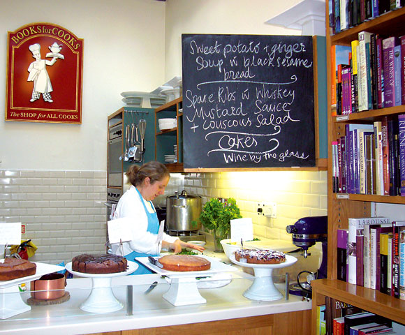 cakes-at-books-for-cooks