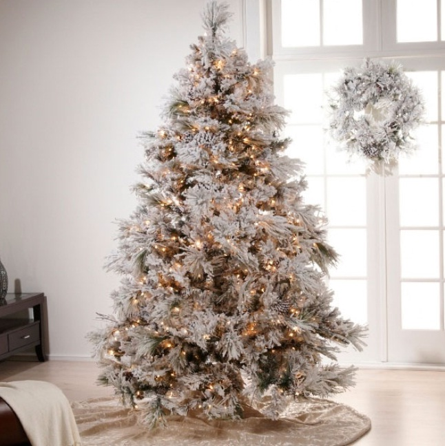 how-to-decorate-a-white-christmas-tree-zedfzsrx